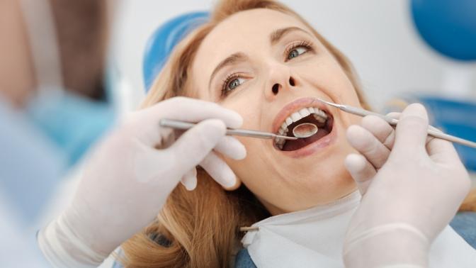 Ультразвуковая чистка зубов, удаление зуба или лечение кариеса сустановкой пломбы на1либо 2зуба встоматологической клинике «Магия улыбки»