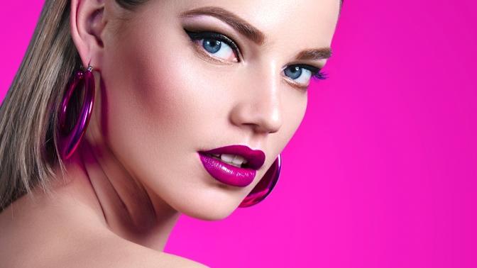 Курс или мастер-класс помакияжу икосметологии вшколе макияжа Юлии Снигурской