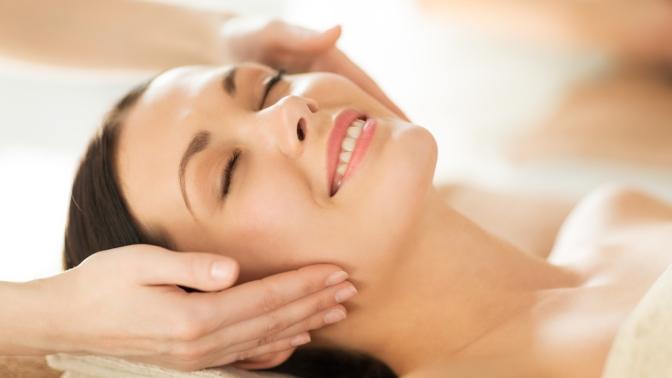 Чистка лица, пилинг, массаж, карбокситерапия или микротоковая терапия встудии «Выбор красоты»