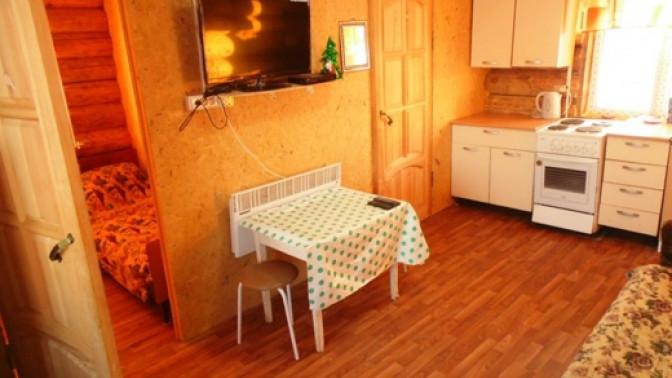 Отдых вгостевом доме срыбалкой, посещением русской бани надровах или без набазе «Обватур»