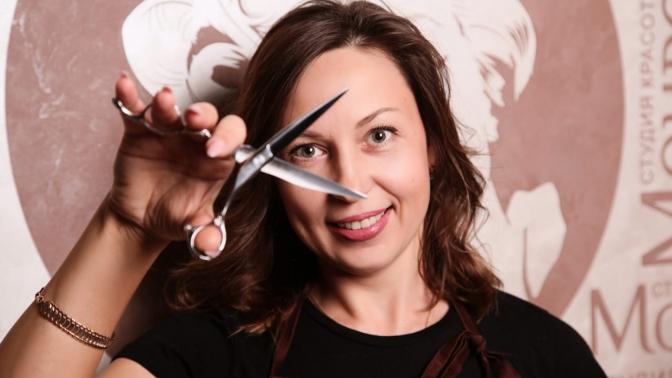 Стрижка, укладка, окрашивание волос всалоне «Монро»