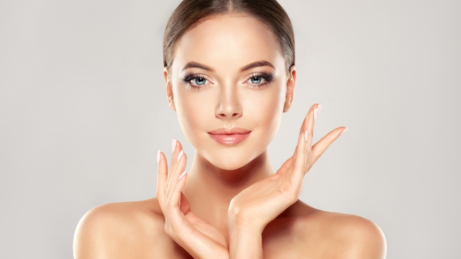 3D-лифтинг, ультразвуковая или десятиэтапная чистка лица, лазерная биоревитализация или аппаратное омоложение всети центров красоты «100лица»