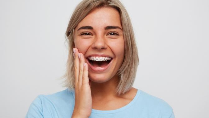 Установка брекет-системы наодну или надве челюсти отсети стоматологий «Апекс»