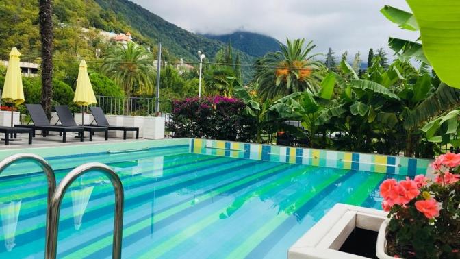 Отдых вАбхазии сзавтраком, посещением бассейна иразвлечениями вотеле Sunrise Garden Hotel