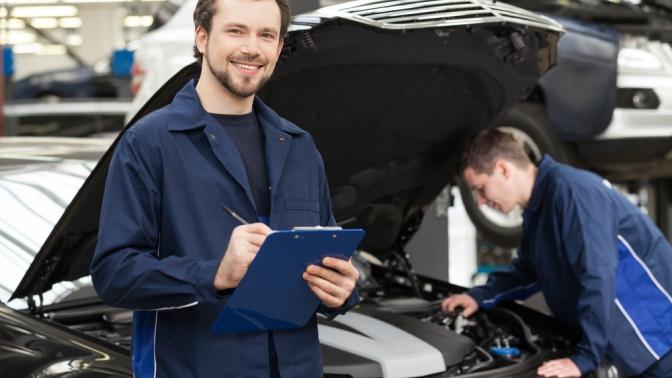 Диагностика ходовой части или двигателя автомобиля, замена масла имасляного фильтра, охлаждающей, тормозной жидкости либо тормозных дисков иколодок вавтосервисе Fair