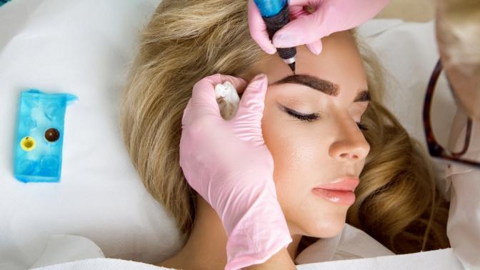 Перманентный макияж век, губ, бровей или микроблейдинг бровей вSPA-салоне «Инфинити»