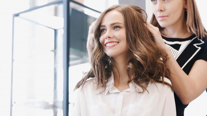 Мужская или женская стрижка, окрашивание, экранирование, восстановление волос всалоне красоты «Морион»