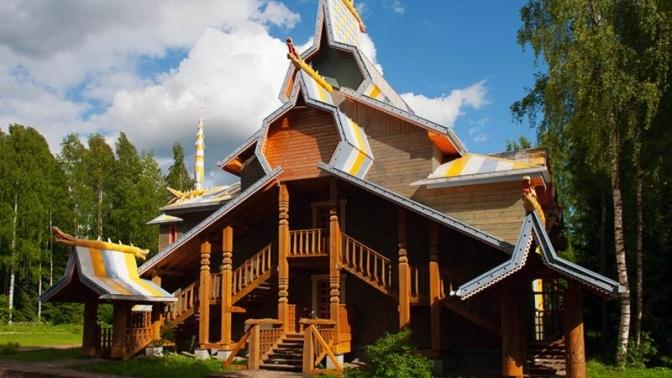 Экскурсионный тур «Псков— Изборск» или «Сказочная деревня Мандроги» откомпании Charm Tour