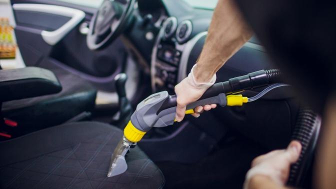 Комплексная химчистка салона или покрытие стекол составом «Антидождь» вдетейлинг-студии Luxe Auto
