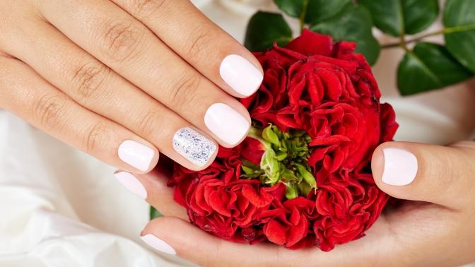 Маникюр, педикюр, наращивание ногтей всалоне красоты «Хит»