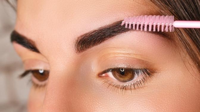 Ламинирование иботокс для ресниц или бровей, оформление, окрашивание икоррекция бровей встудии красоты Lakshmi