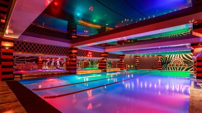 Wellness-день спосещением бассейна, тренажерного зала «Зебра» иуходовой процедурой зателом всалоне красоты Angel (2478руб. вместо 5900руб.)