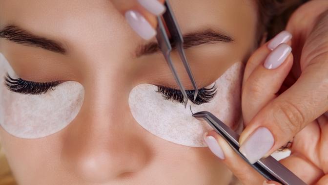 Наращивание или ламинирование ресниц, коррекция иокрашивание бровей встудии красоты 12Palchikov