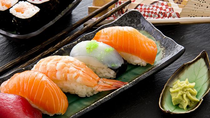 Всё меню без ограничения суммы чека отслужбы доставки Sushi House соскидкой50%