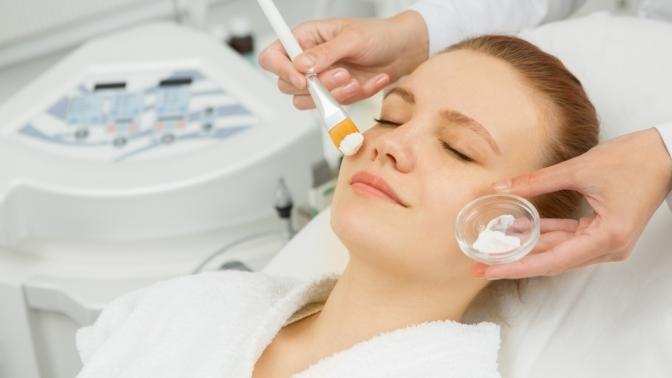Ультразвуковая, механическая или комбинированная чистка, пилинг, массаж лица встудии красоты Vobraze