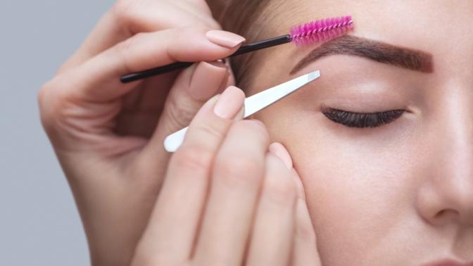 Оформление иокрашивание бровей, наращивание ресниц встудии красоты IQBeauty