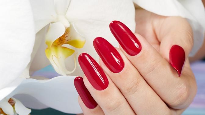 Комбинированный маникюр, европейский или медицинский педикюр, наращивание ногтей всалоне красоты «Натали»