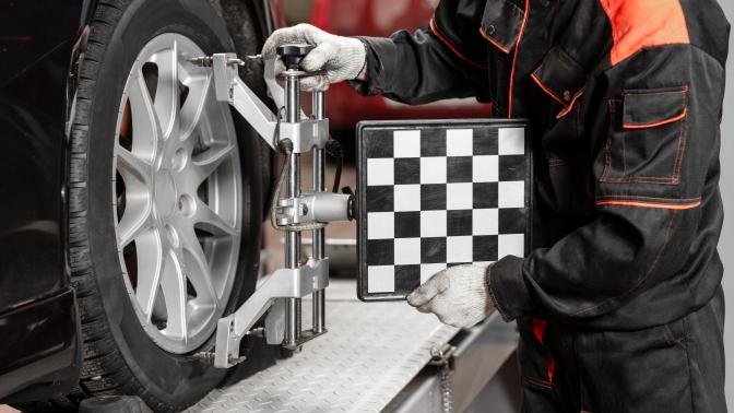 Регулировка развала-схождения одной или двух осей автомобиля всервисе «Свой автосервис»