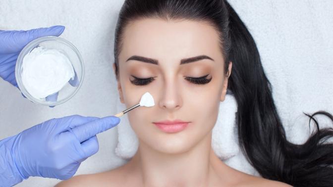 Чистка лица, пилинг, RF-лифтинг, процедура «Антиэйдж» или косметический массаж лица ишеи встудии красоты «Лола»