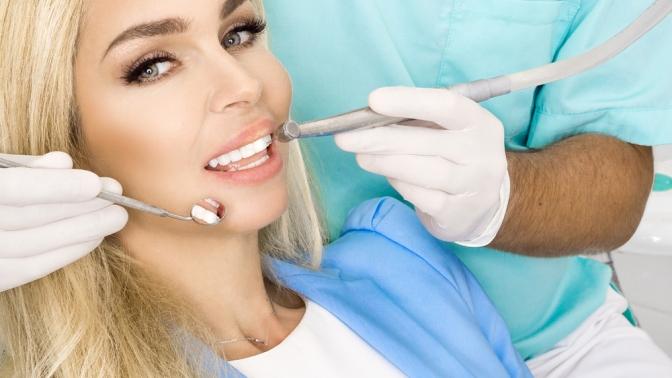 Комплексная гигиена полости рта или эстетическая реставрация зубов встоматологической клинике Arbadent